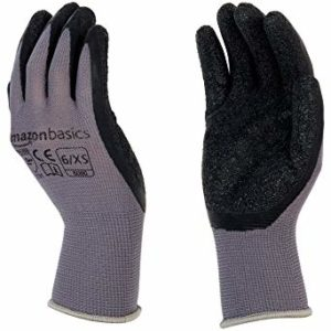 Our Favorite Gardening Gloves